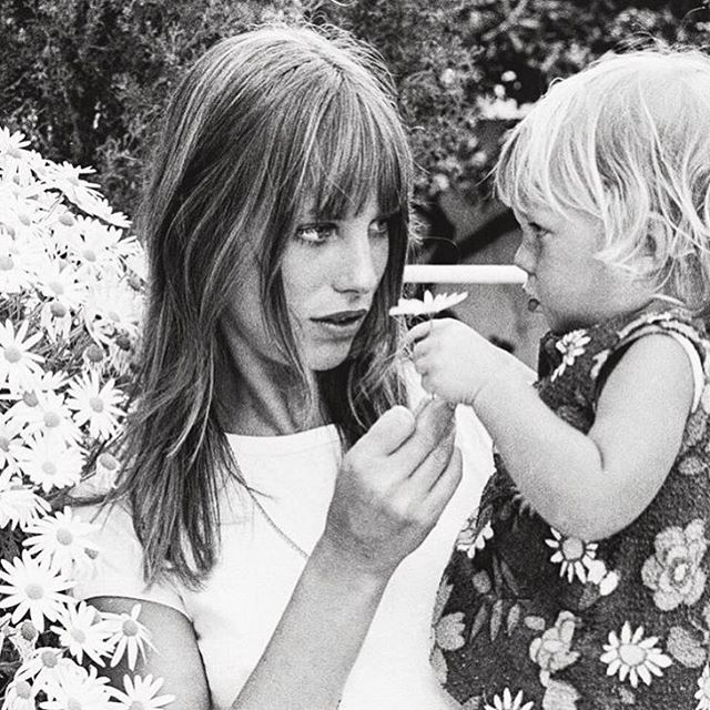 Note: #leuieloves @janebirkindaily Jane and little one & the start of Springtime 🌸 hope you are having the loveliest, loveliest day! xo