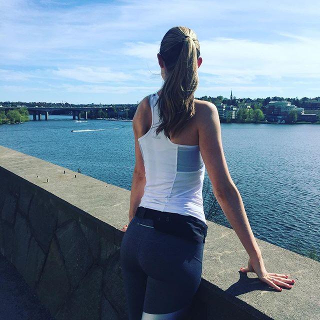 Sweden is spoling us with sunshine 😍👌🏼✨😎☀️🌴 #sunshine #life #summer #awsome #training #pw #exercise #workout #trx #yoga #bootcamp #wellness #fitness #goals #results #motivation #crossfit #crossfitwithshouldersurgery #cmatseskiropraktik #sweden #stockholm #kungsholmen