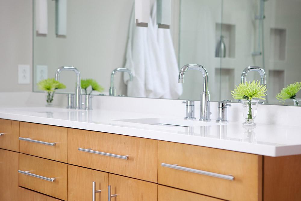Custom maple cabinet/Cambria quartz countertop
