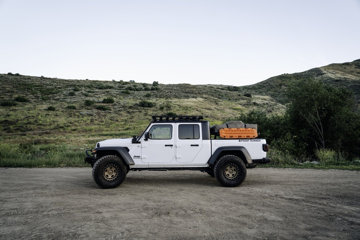 Front Runner Outfitters Jeep Gladiator Jt Roof Bed Rack Overland Expo