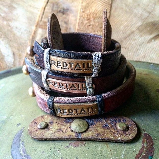 We put our cuffs through the wringer...and they like it. We build 'em tough because the REDTAIL family is a gritty lot. The more life throws at them, the more they come out the other side looking even better.  Here's to all you out there on a mission today...grinding it out for the fun of it.  #leather #cuff #leathercuff #copper #tigerthread #redtail #hardgoods #redtailhardgoods #forgedwithgrit #madeintexas #madeinusa #madeinamerica #grind
