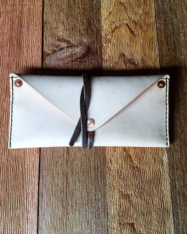 One last little project before we head out to Colorado... #envelopewallet #envelope #wallet #leather #handmade #saddlestitch #madeintexas #madeinusa #madeinamerica #salida #colorado