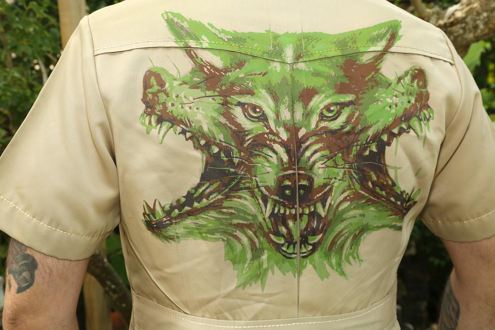 safariwolf2.jpg