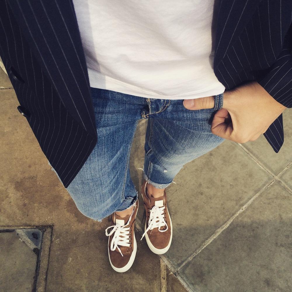 Zara Sneakers | Topshop Blazer | Hollister Jeans | COS Tee