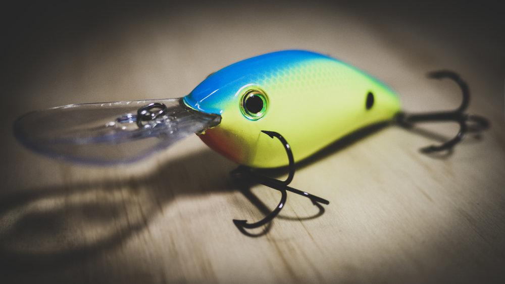 Summer Bass Fishing: How To Catch Deep Schooling Bass thumbnail