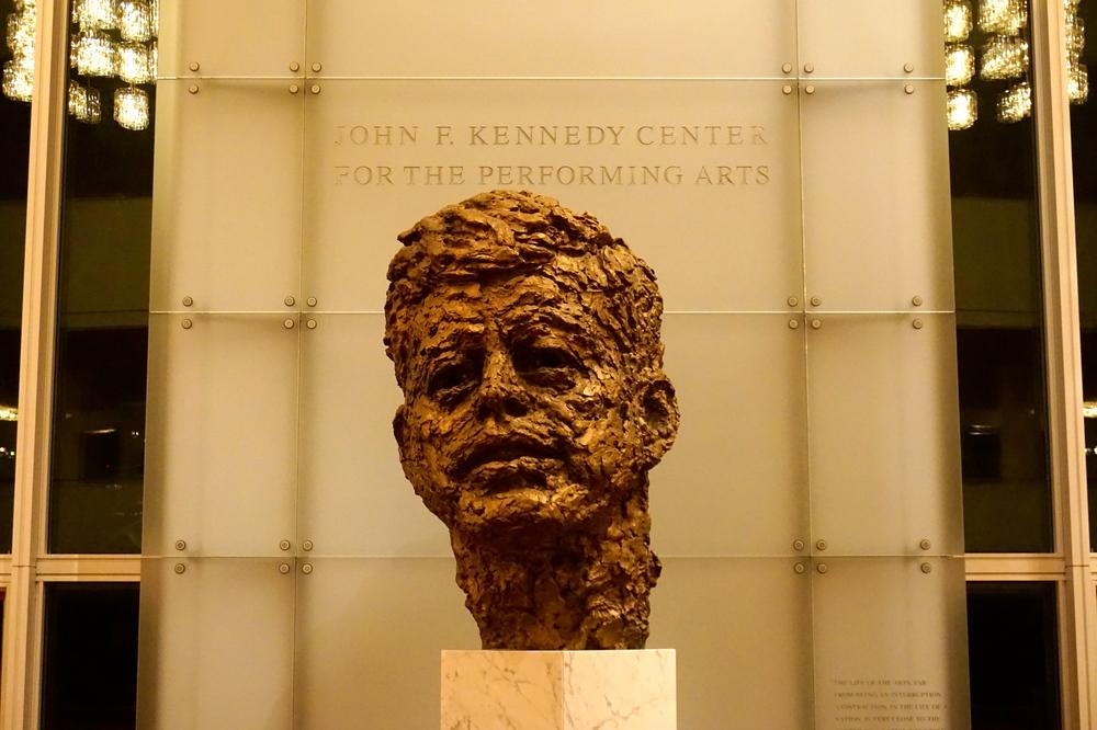 Bust of JFK by Robert Berks