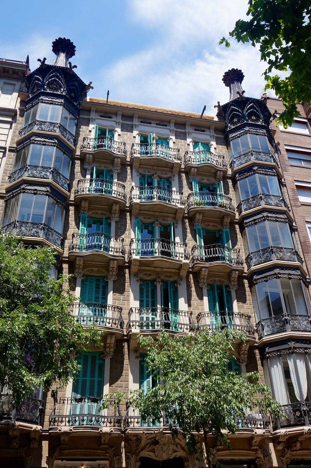 barcelonabalconies.jpg