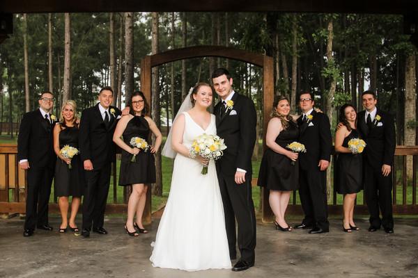 600x600_1441040770817-sa-weddingparty-42.jpg