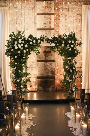 17-Industrial-Meets-Rustic-Green-Building-New-York-City-Wedding-Alison-Conklin-Photography.jpg