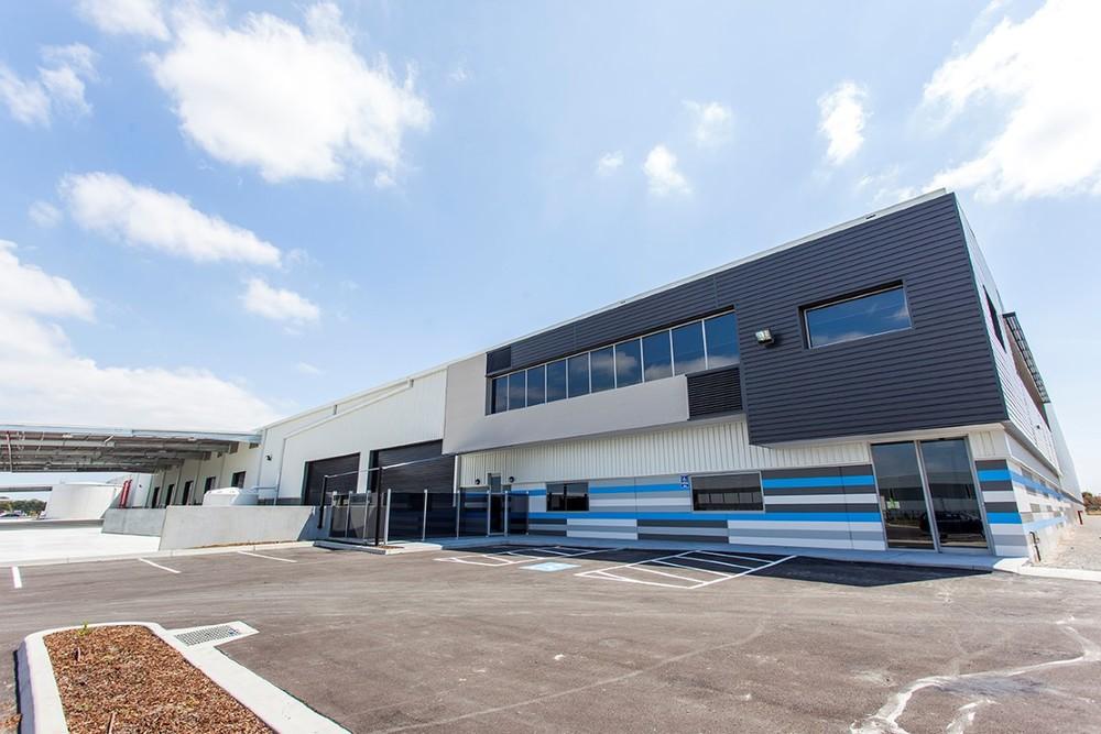 BIC & Chrisco Logistics Warehouse  Keysborough, VIC  33,000m2 Client: Australand