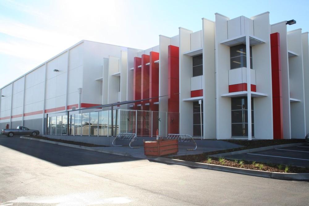 Schenker Warehouse Facility  Melbourne Airport, VIC  15,000m2 Client: Australand