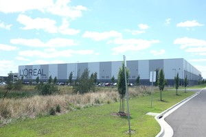 L'Oreal Distribution Warehouse  Dandenong South, VIC  30,000m2 Client: CIP