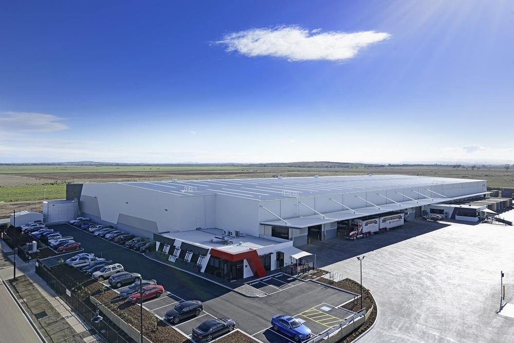 Austrans Container Services  Truganina, VIC  16,000m2 Client: Australand