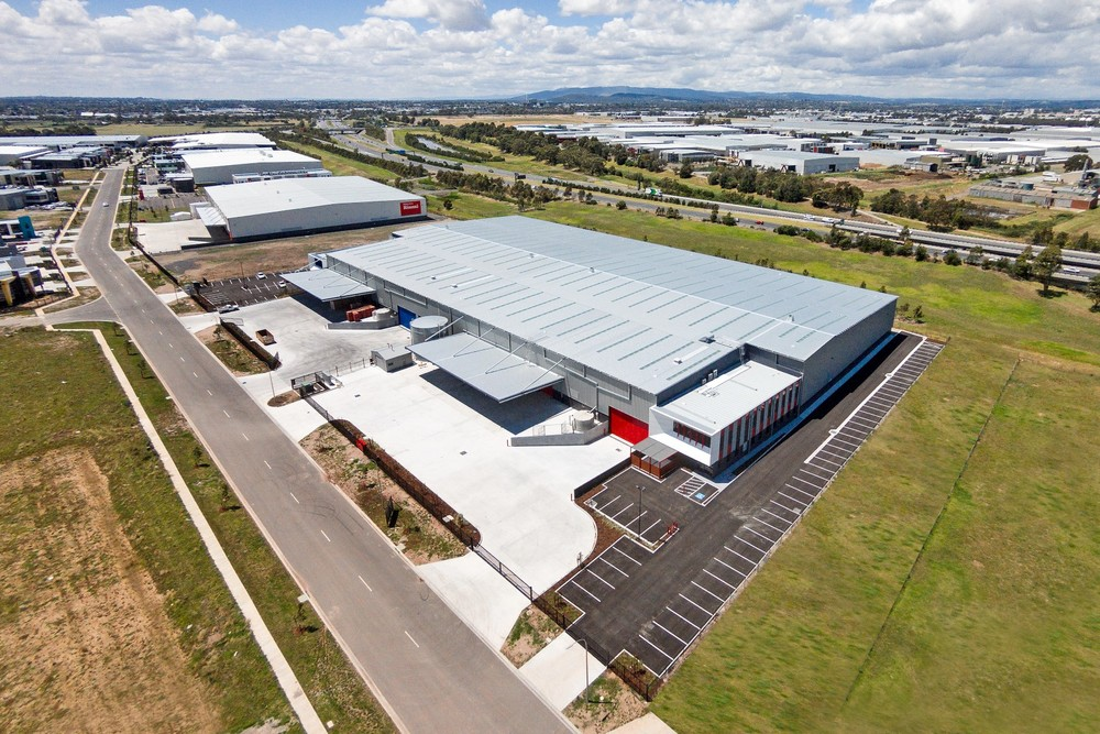 Adairs & Spec Warehouse  Keysborough, VIC  14,000m2 Client: Australand