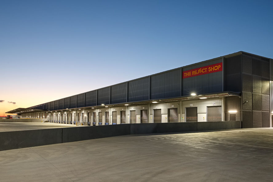 The Reject Shop Distribution Centre  Truganina, VIC  46,000m2 Client: CIP