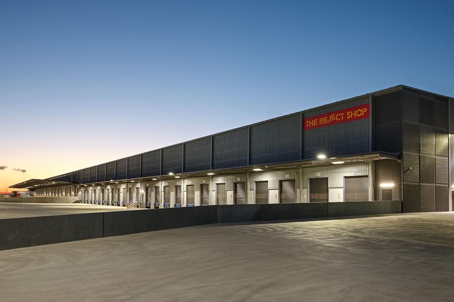 The Reject Shop Distribution Centre  Truganina, VIC  46,000m2 Client: CIP