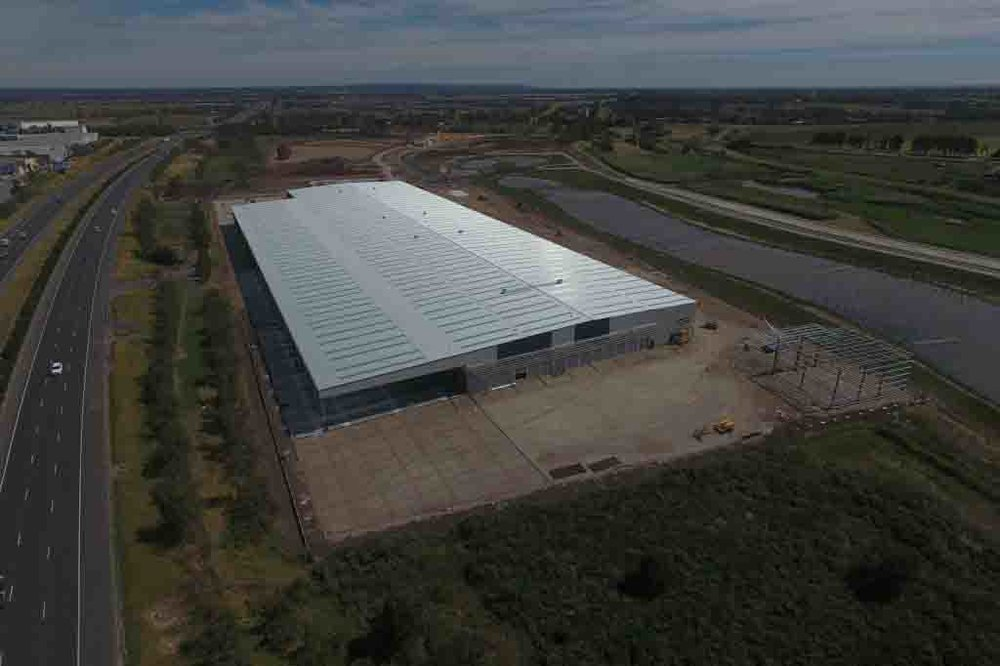 Direct Freight Warehouse  Keysborough, VIC  24,000m2 Client: CIP