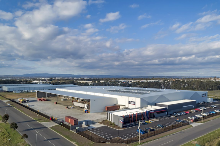 Dulux  Dandenong South, VIC 18,500m2  Architect: Pellicano