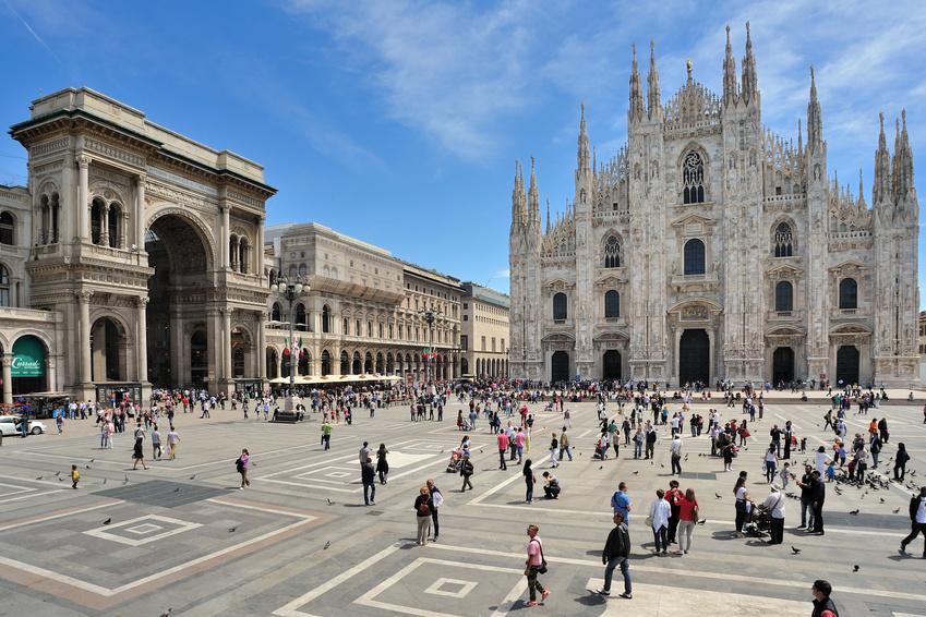 Milano-Piazza-Duomo-e-Galleria-Vittorio-Emanuele-copy-frenk58_S.jpg