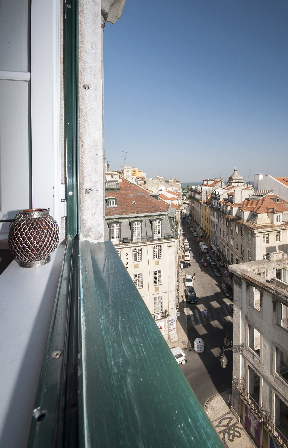 21 Panoramic view over downtown, Tagus river, Cathedral, from the windows at living room and bedroom 2.jpg