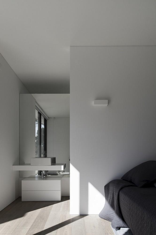 52cbfe01e8e44ee34f000096_comporta-house-rrj-arquitectos_14_58-664x1000.jpg