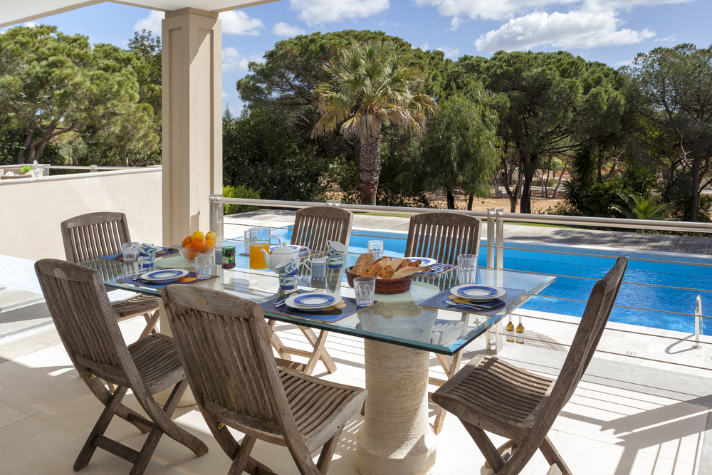 4 bedroom villa to rent in Quinta do Lago, RLV, Villa Serpentine, outside dining.jpg