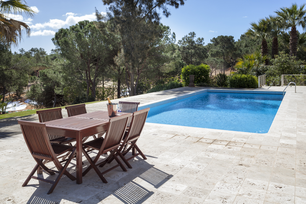 4 bedroom villa to rent in Quinta do Lago, RLV, Villa Serpentine, pool dining.jpg