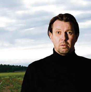 Huippusuosittu Luolamies nyt Aleksanterin teatterissa 5.3.-17.12.2017 | Osta liput >> Lue lisää >>