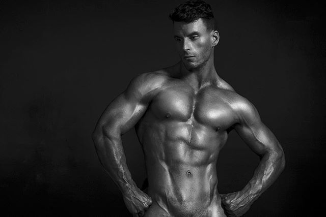 Looking amazing Is @billygrealyyyfitness !  Who's next for the studio! #men#male #model #fitguys #fitnessmotivation #gymlife #shredded #motivation #blackandwhite #nude #sexy #muscles #jacked