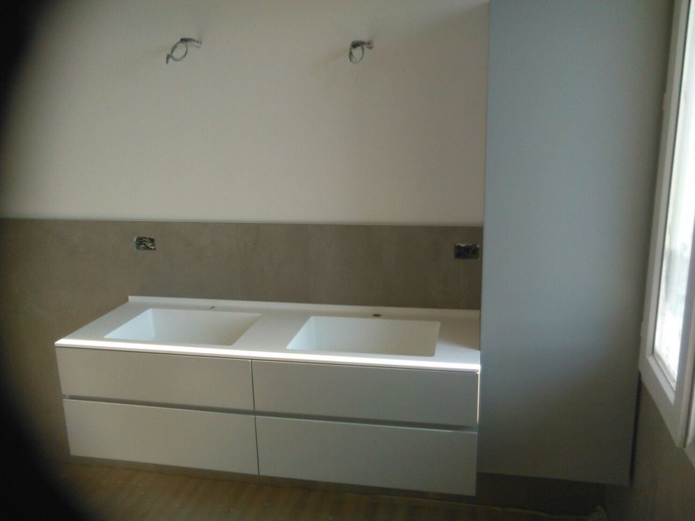 bagno laccato con top in corian
