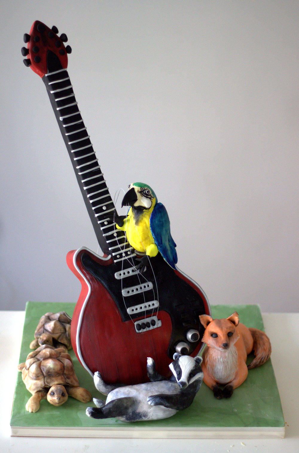 red special guitar cake