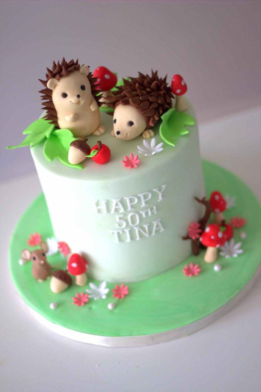 Hedgehog cake 1.jpg