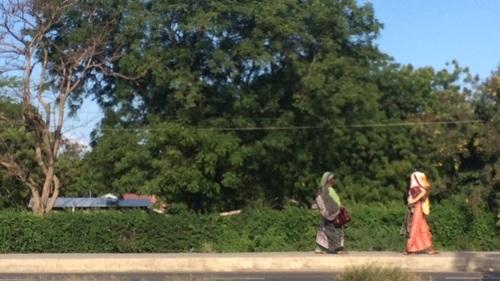 Women walking in Dar Es Salaam, Tanzania. Photo credit: Stefania Perna/ODI