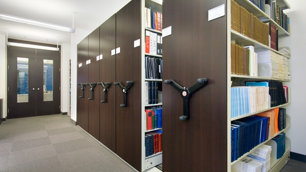 Business_Mobile_Shelving_Storage_08.jpg