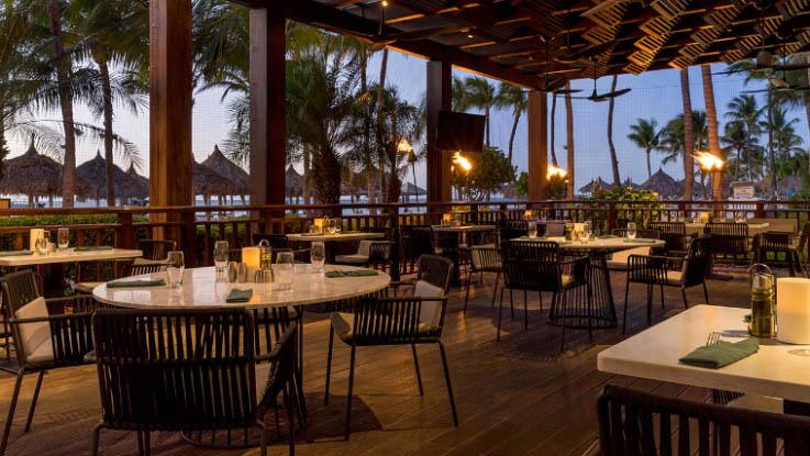 Hyatt_Regency_Restaurant.jpg
