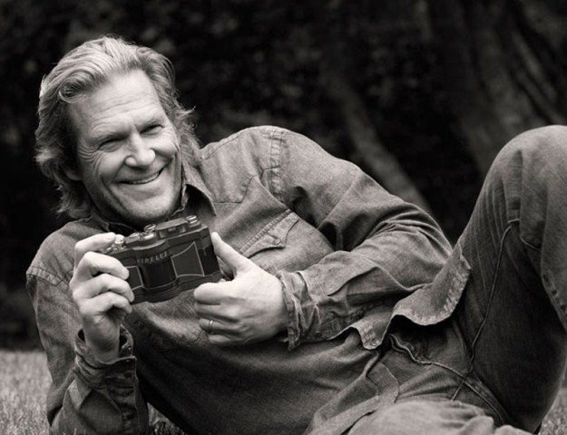 Jeff Bridges with widelux camera