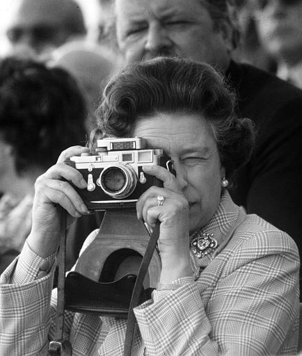 The Queen with a Leica
