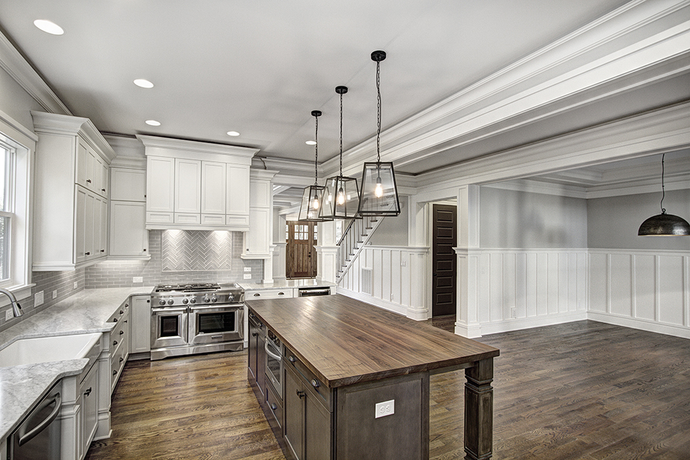A chef 39 s delight carolina craftsman builders for Custom craftsman home builders