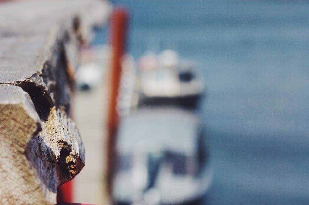 wood, water, boats, blur.