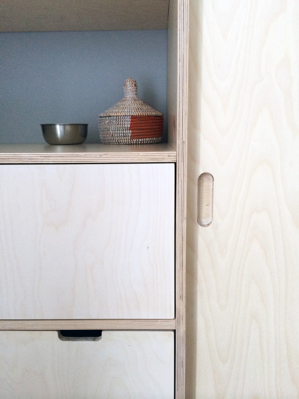Simple and durable with plywood