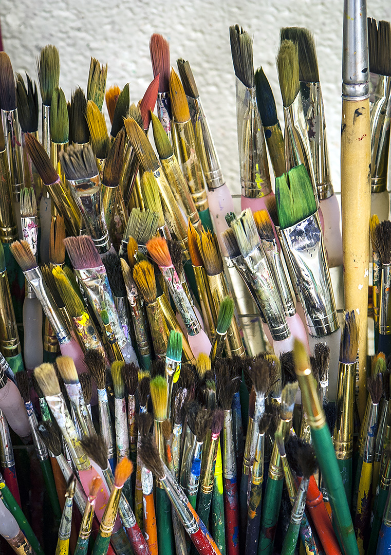 art class paint brushes.jpg