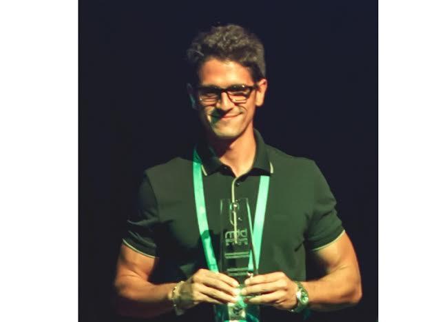 Juan Claudio de Oliva Maya, CEO, GreenLook Boliviano de nacimiento.Ingeniero graduado de la Universidad EARTH, fundador y emprendedor de la empresa Greenlook S.A., a la fecha ha colaborado con más de 30 organizaciones del sector público y privado en toda América.