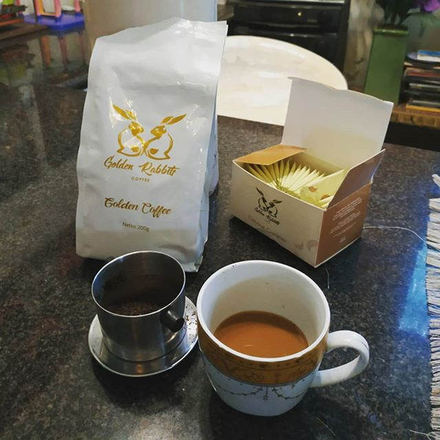 Interesting taste. Earthy and mild. Very subtle acidity and sharpness, which I like. May not be everyone's preference, but not bad at all. The coconut creamer works well too. Could be better with more informative packaging.  #goldenrabbitscoffee