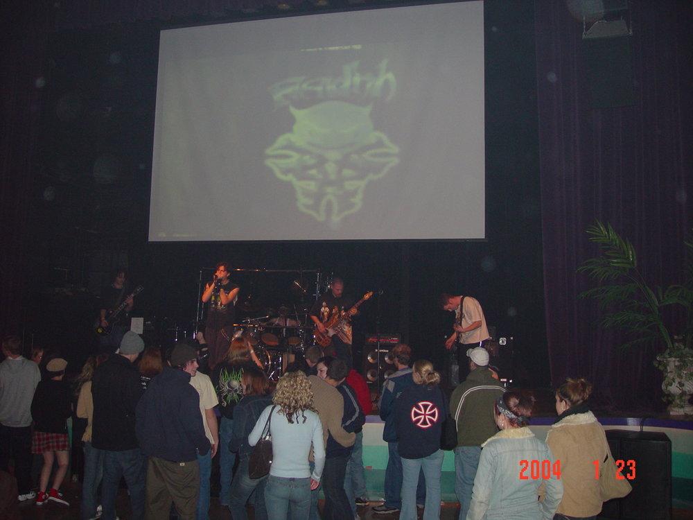 fiendish concert 012204 027.jpg