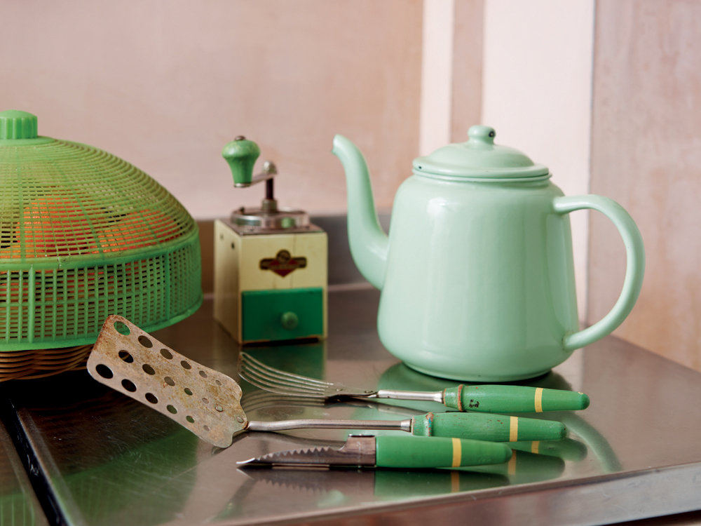 Kitchenalia_p200.jpg