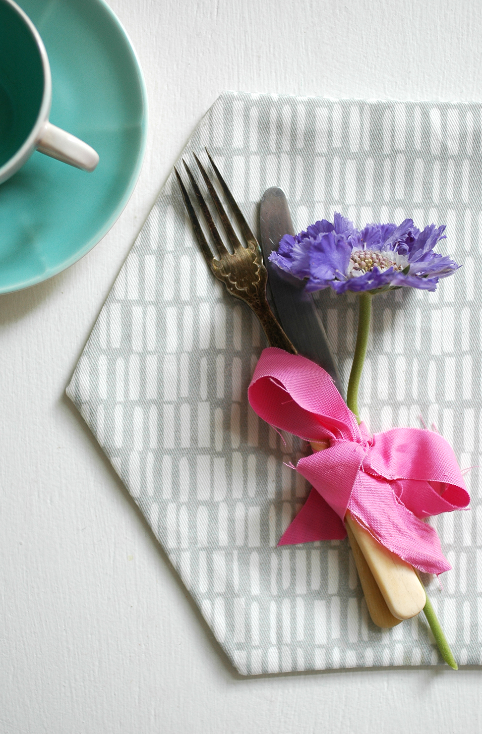 DIY: Hexagonal placemats