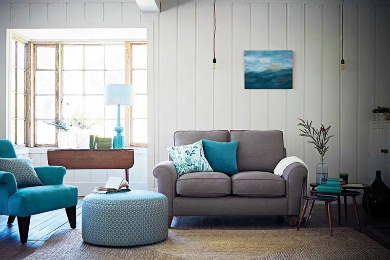 what colors look good with grey sofa