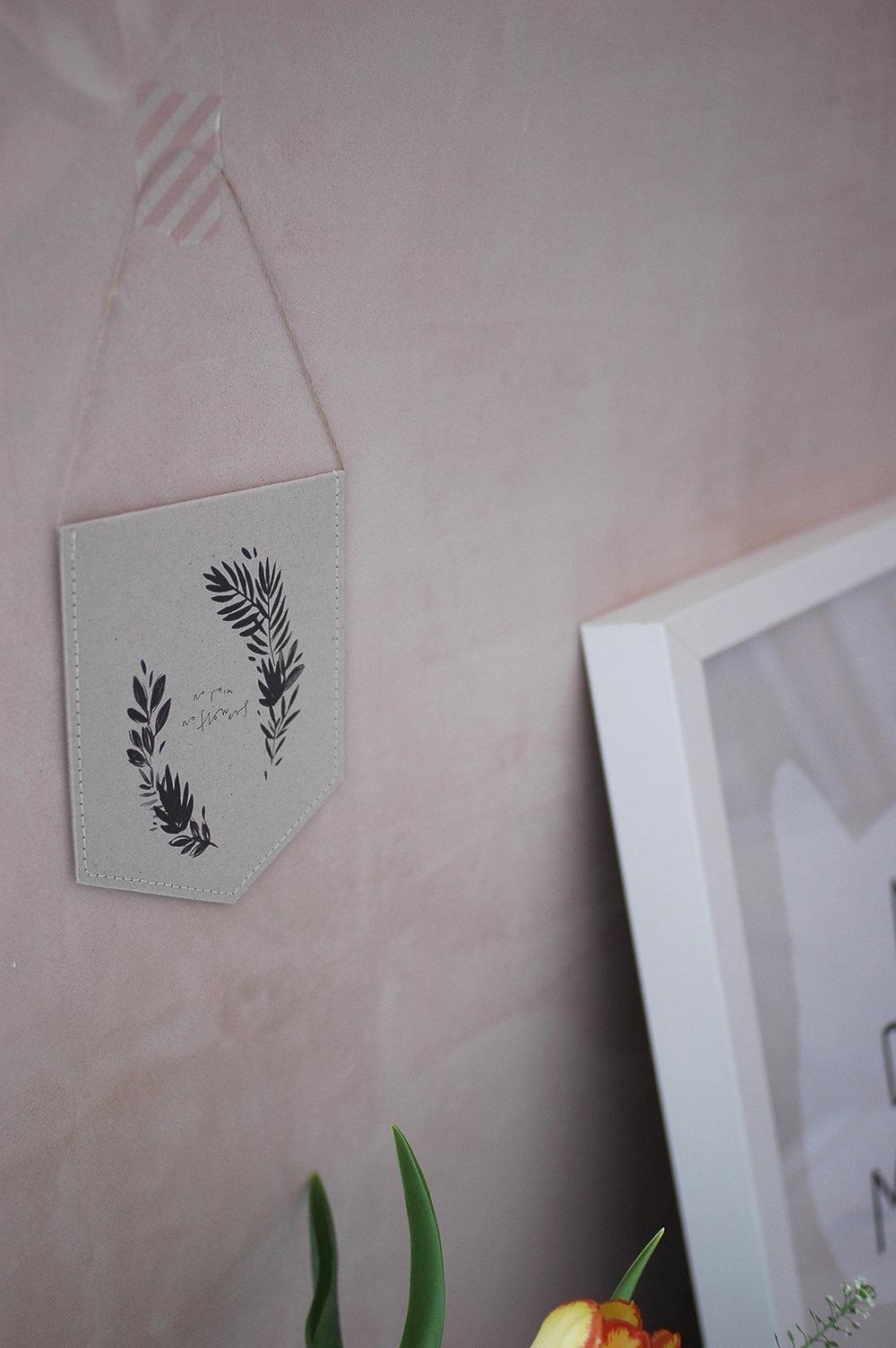 Mini wall hanging: Kate Housley