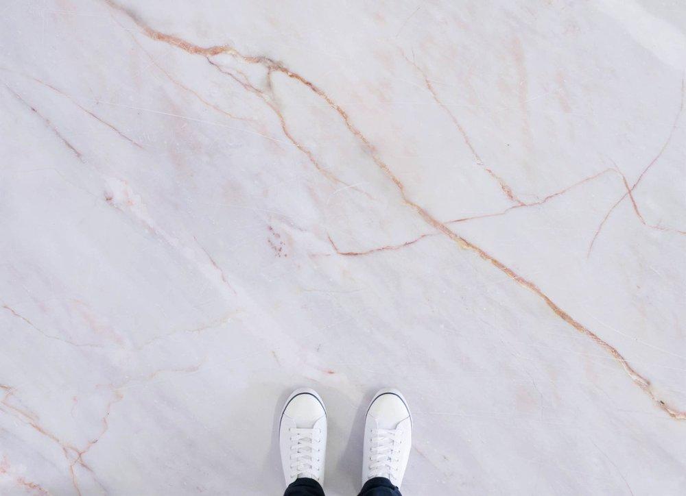 pink marble effect vinyl flooring - Atrafloor