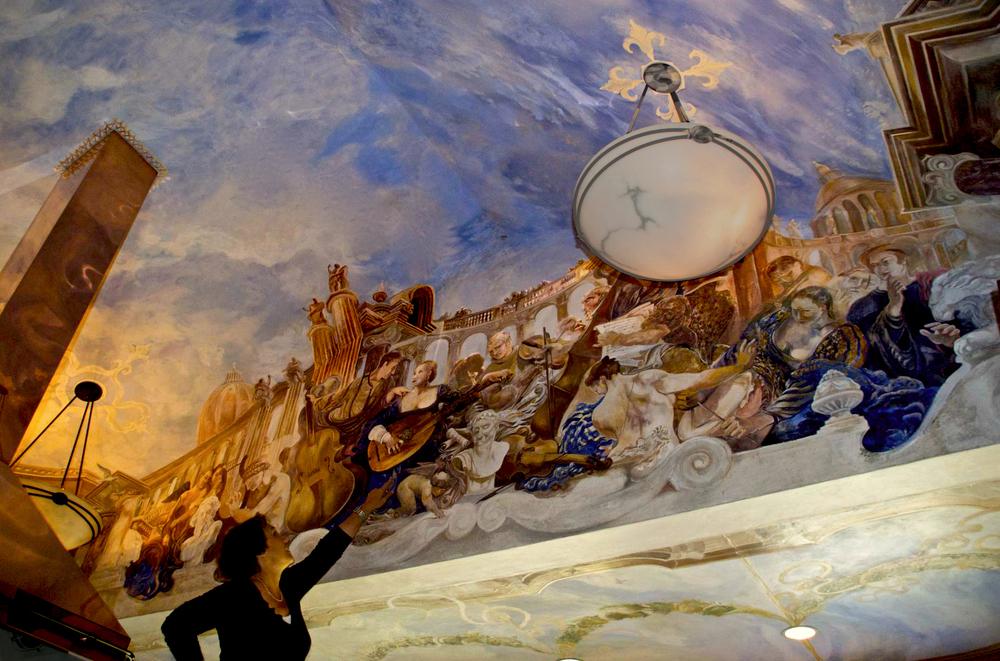 Orchestra true fresco